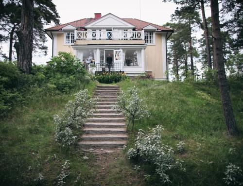 Villa Andania – 100 vuotta huvilaelämä  juhlatila meren rannalla